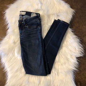 Hollister Women's skinny jeans size 00